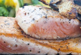 barbecue-salmon-with-orange-and-fennel-salad-summer-table
